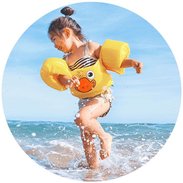 Kind_im_Wasser